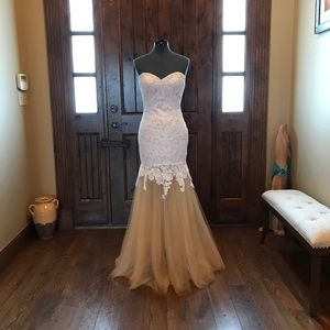 LA FEMME Ivory Lace Prom Gown! NEW!